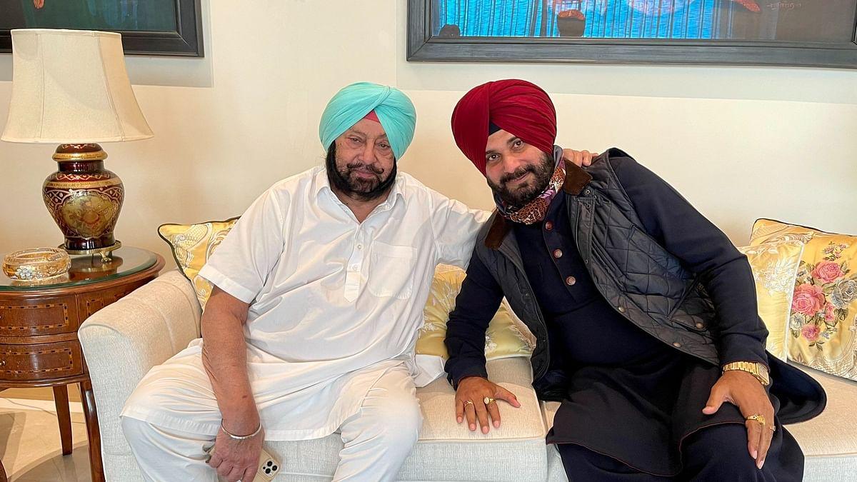 "<div class=""paragraphs""><p>Congress leader Navjot Singh Sidhu (right) met Punjab Chief Minister Captain Amarinder Singh on 17 March.</p></div>"