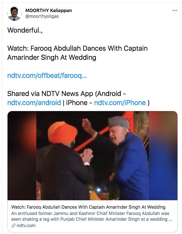 Watch: Farooq Abdullah Shakes a Leg With Amarinder Singh
