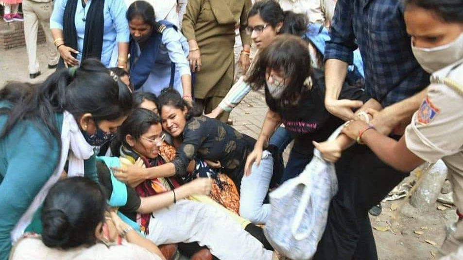 ABVP & BSCEM Members Clash at Women's Day Event at DU