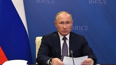 Putin Says Russia Can Stabilise Energy Prices by Increasing Supply to Europe