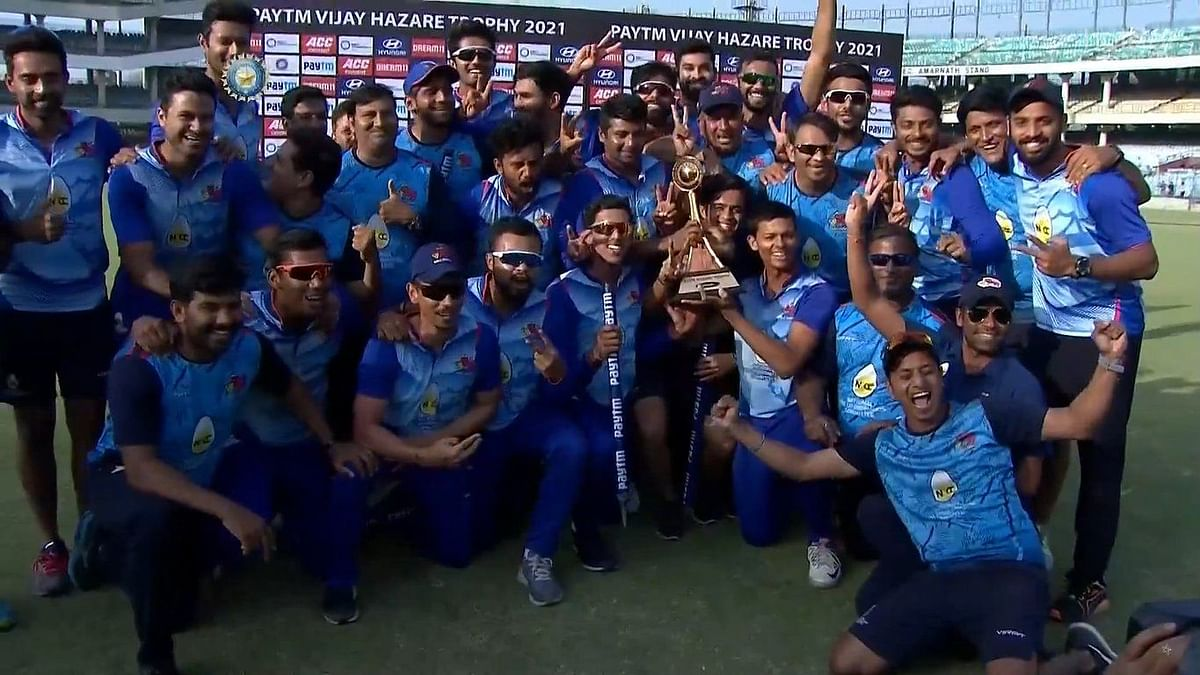 Mumbai celebrate winning the Vijay Hazare Trophy against UP