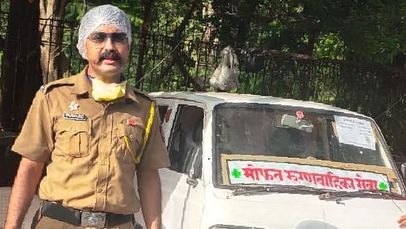 Constable Tejesh Sonawane provides free ambulance service