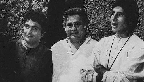 "<div class=""paragraphs""><p>Amitabh Bachchan and Rishi Kapoor with Shashi Kapoor.</p></div>"