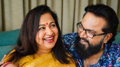 "<div class=""paragraphs""><p>R. Sarathkumar and wife Radikaa</p></div>"