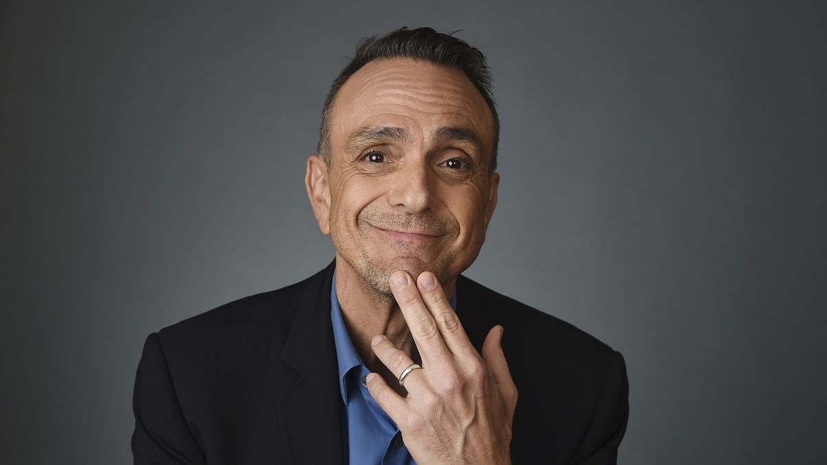 """<div class=""""paragraphs""""><p>Hank Azaria apologises for voicing Apu in The Simpsons.</p></div>"""