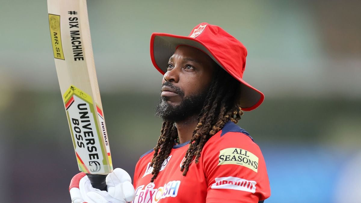 Chris Gayle becomes the first player to hit 350 sixes in IPL history.