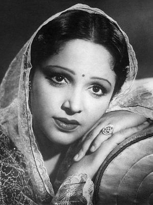 "<div class=""paragraphs""><p>Devika Rani was the first recipient of Dadasaheb Phalke award.</p></div>"