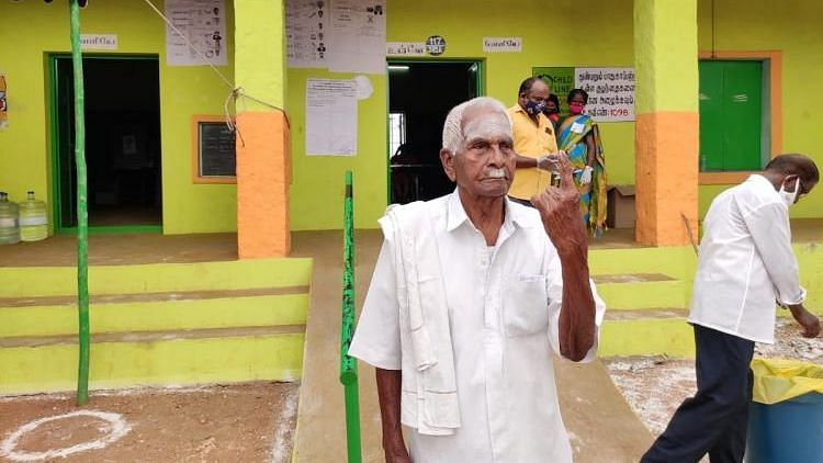 105-year-old Marappa Gounder walked his way to vote in the 16th Assembly elections.