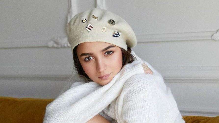"""<div class=""""paragraphs""""><p>Alia Bhatt shares that she wants to amplify COVID-related information on social media.</p></div>"""