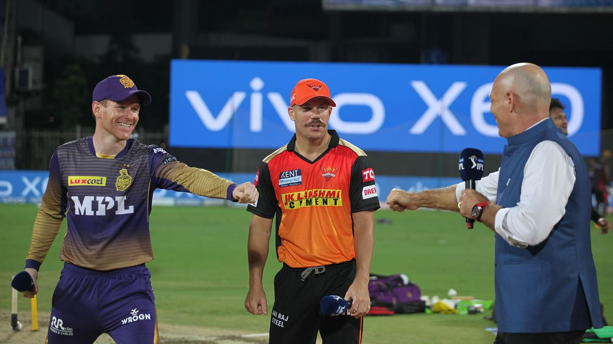 David Warner captain of Sunrisers Hyderabad and Eoin Morgan captain of Kolkata Knight Riders during toss of the match 3 of the Vivo Indian Premier League 2021.