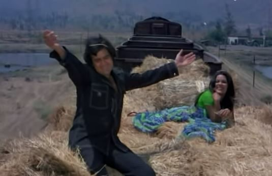 """<div class=""""paragraphs""""><p>Rajesh Khanna and Zeenat Aman in a still from the song 'Hum Dono Do Premi'</p></div>"""