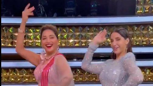 Madhuri Dances to Mera Piya Ghar Aaya With Nora; Video Goes Viral