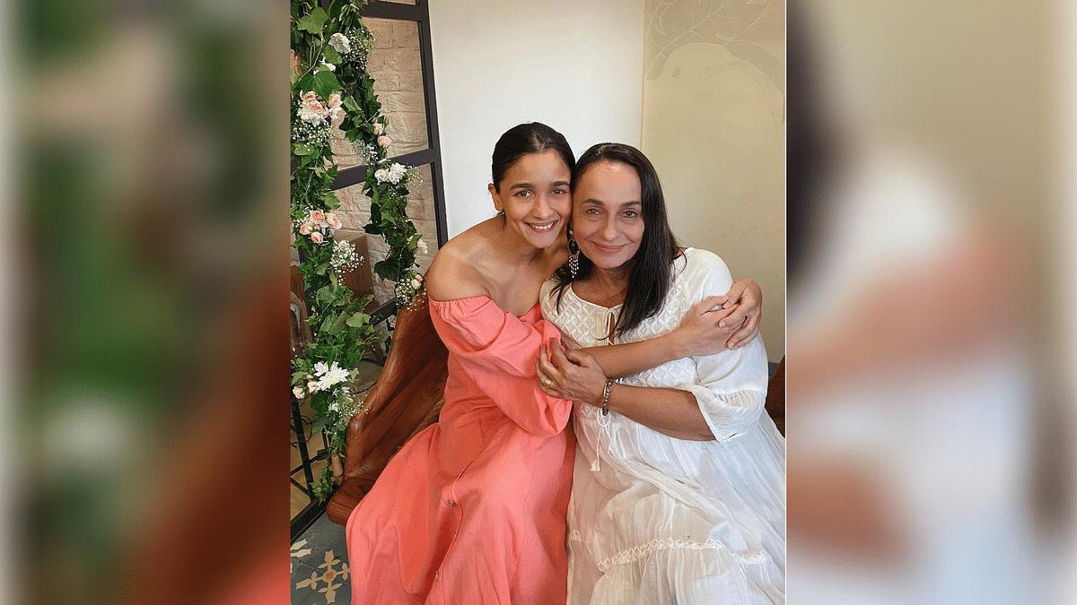 "<div class=""paragraphs""><p>Soni Razdan and daughter Alia Bhatt</p></div>"