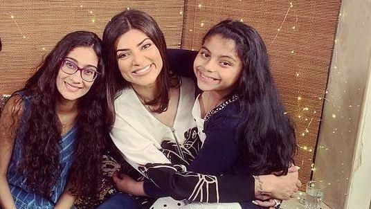 "<div class=""paragraphs""><p>Sushmita Sen with her daughters Renee and Alisah.</p></div>"