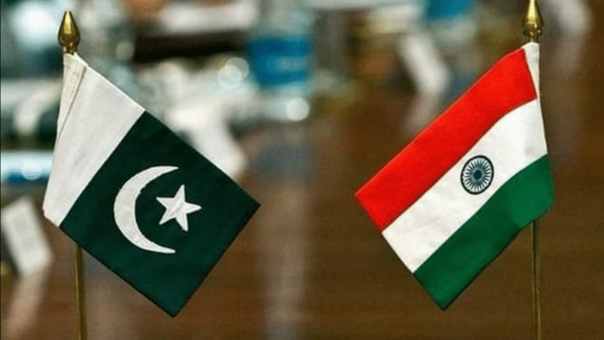 "<div class=""paragraphs""><p>Pakistanis show support to Indians on Twitter</p></div>"