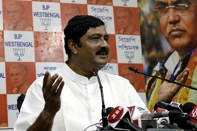 EC bars BJP's Rahul Sinha for 48 hrs from election campaigning.