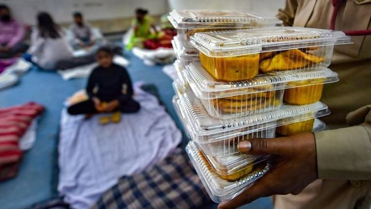 Bengaluru Home-Cooks Volunteer to Prepare Meals for COVID Patients