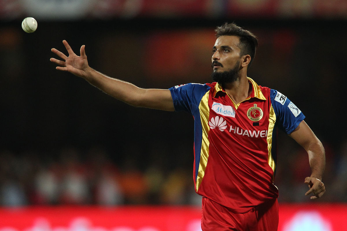 Harshal Patel bowling for Royal Challengers Bangalore on the 22 April 2015.