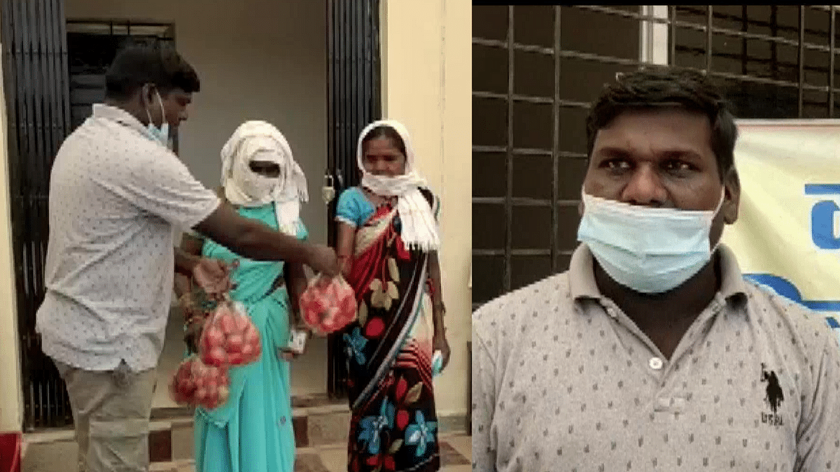 """<div class=""""paragraphs""""><p>People in Bijapur are given tomatoes as an incentive for taking the COVID19 vaccine</p></div>"""
