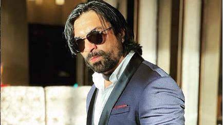 """<div class=""""paragraphs""""><p>Actor Ajaz Khan</p></div>"""