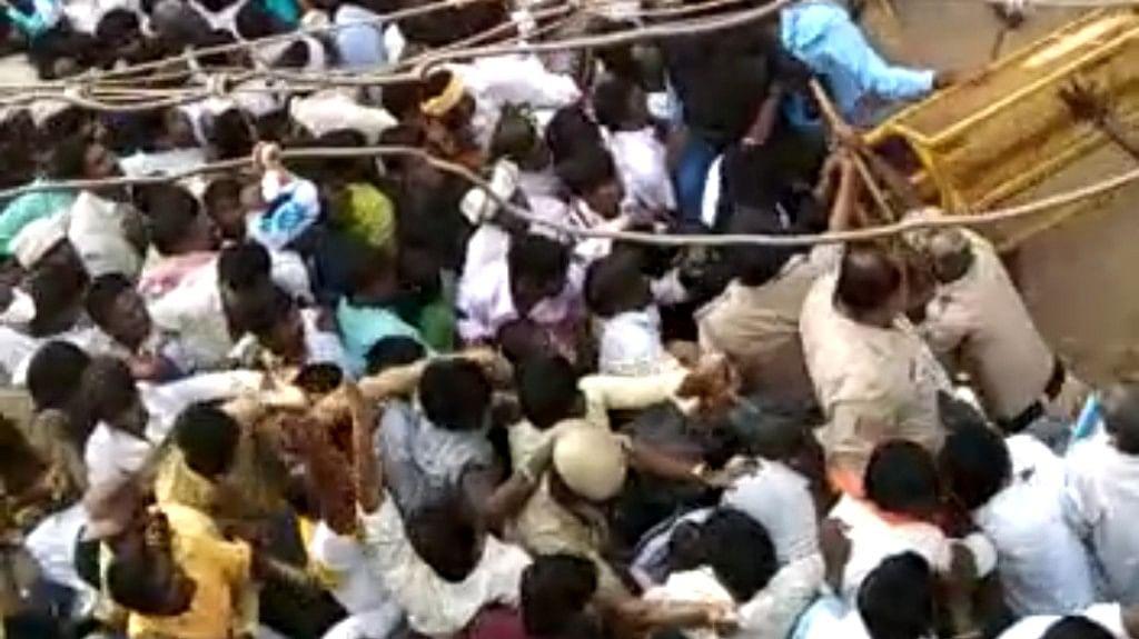 Over 3,000 Devotees Gather in Karnataka, COVID Protocol Violated
