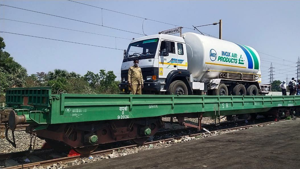 Four tankers carrying around 70 Metric tonnes of Liquid Medical Oxygen will depart from Jindal Steel Works, Raigarh.