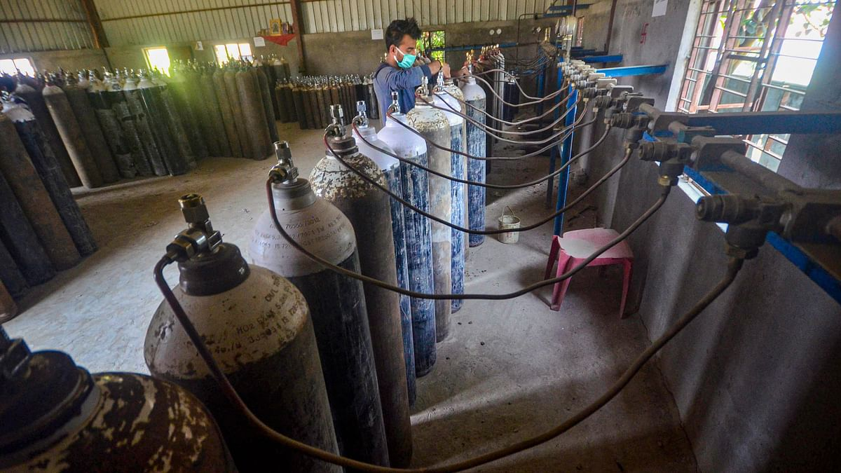 Units Manufacturing O2 Cylinders Shut Due to Oxygen Ban: Report