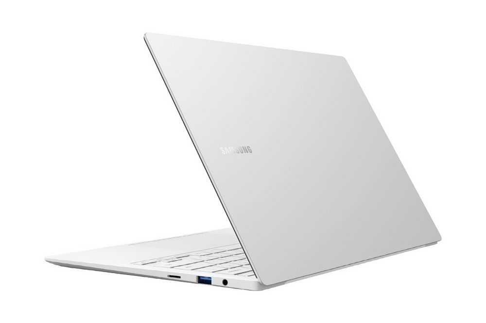 "<div class=""paragraphs""><p>Samsung Galaxy Book Pro 360 will be available in Mystic Navy, Mystic Silver and Mystic Bronze color options</p></div>"