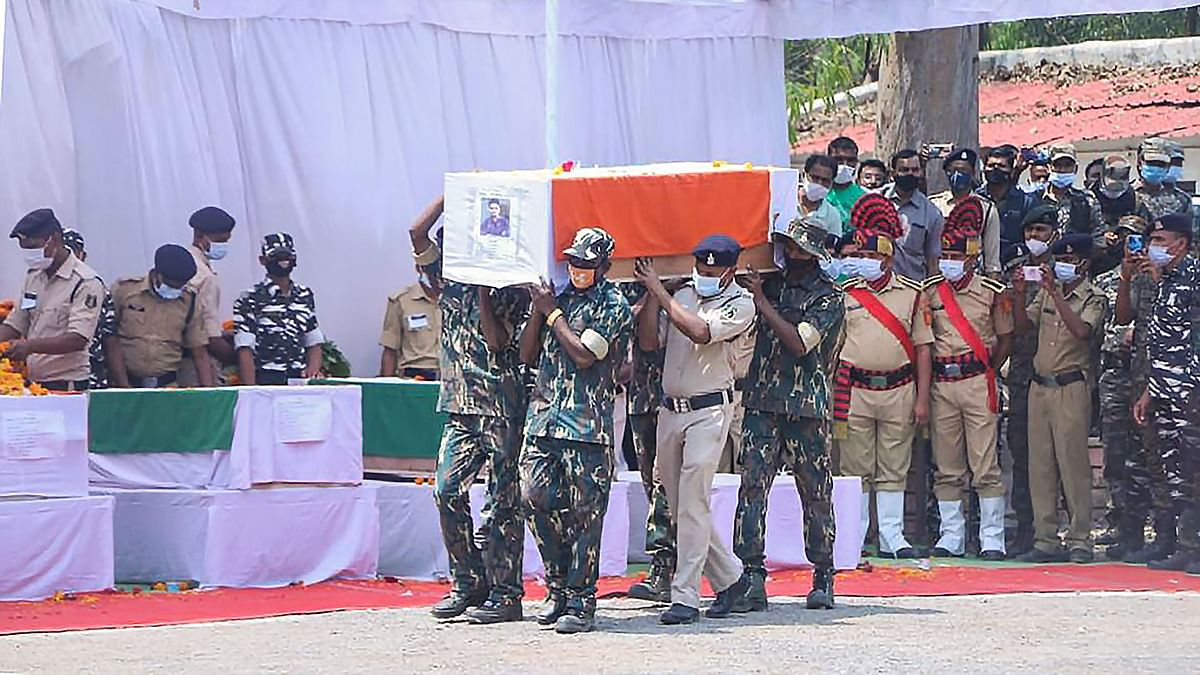 Army personnel pay tribute to the soldiers who were martyred in the Bijapur Naxalite incident.