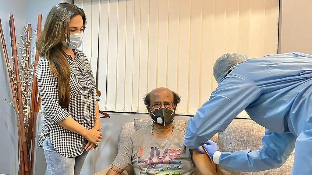 "<div class=""paragraphs""><p>Rajinikanth gets vaccinated</p></div>"