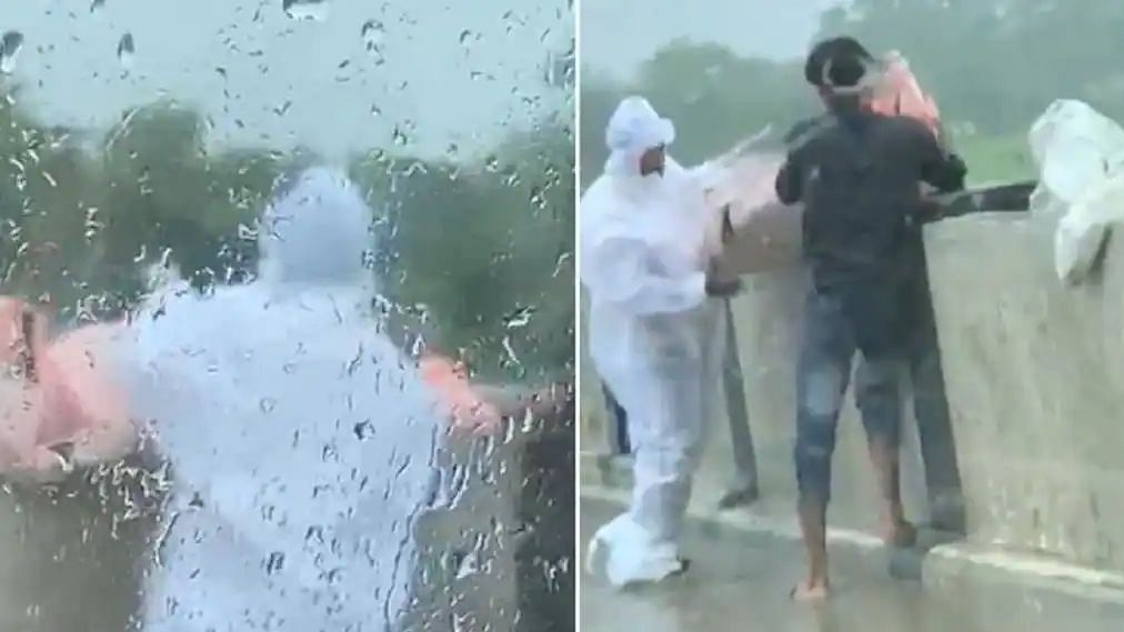 Body of COVID Patient Dumped in UP River: Two Caught on Video Held