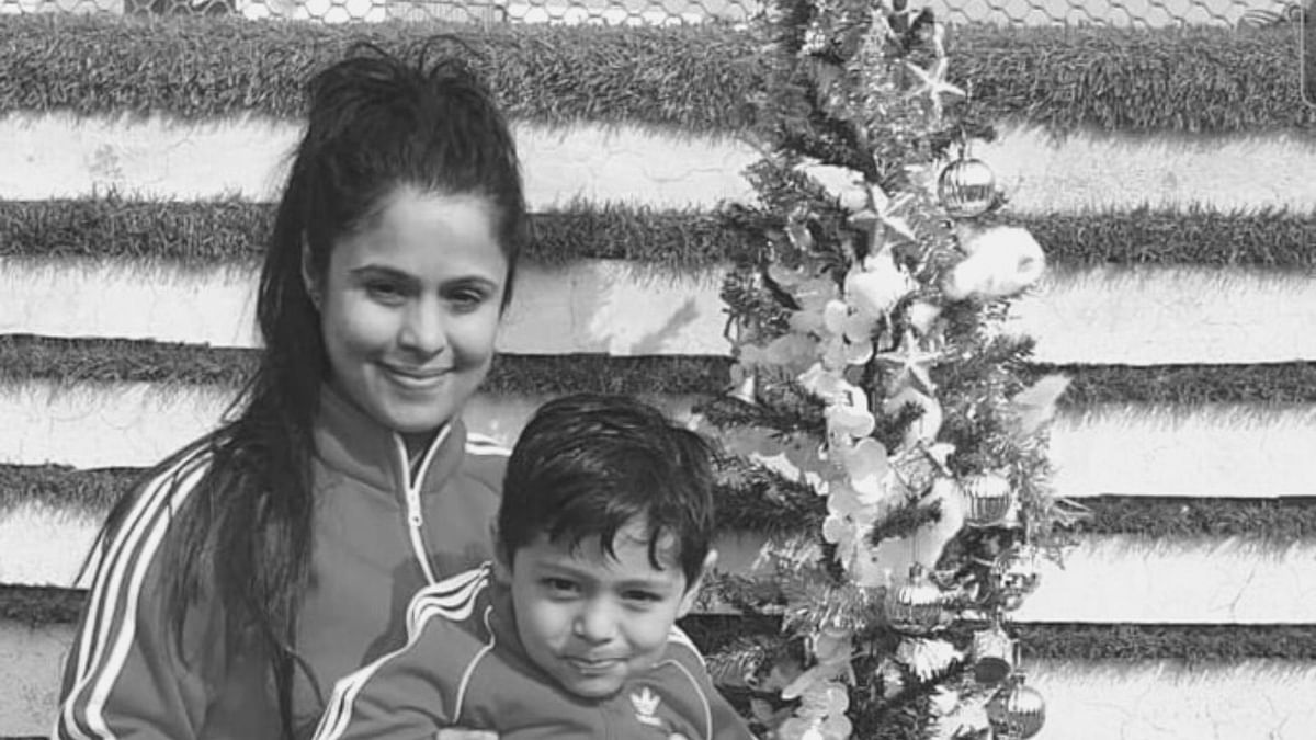 """<div class=""""paragraphs""""><p>Dipika and her 3.5 year-old son.</p></div>"""