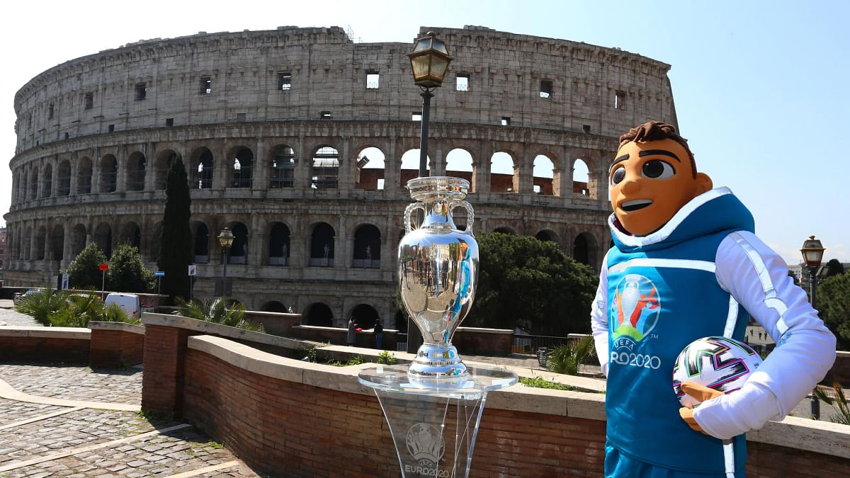Skillzy and the Henri Delaunay Trophy in Rome