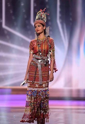 "<div class=""paragraphs""><p>Thuzar Wint Lwin won the 'Best National Costume' award</p></div>"