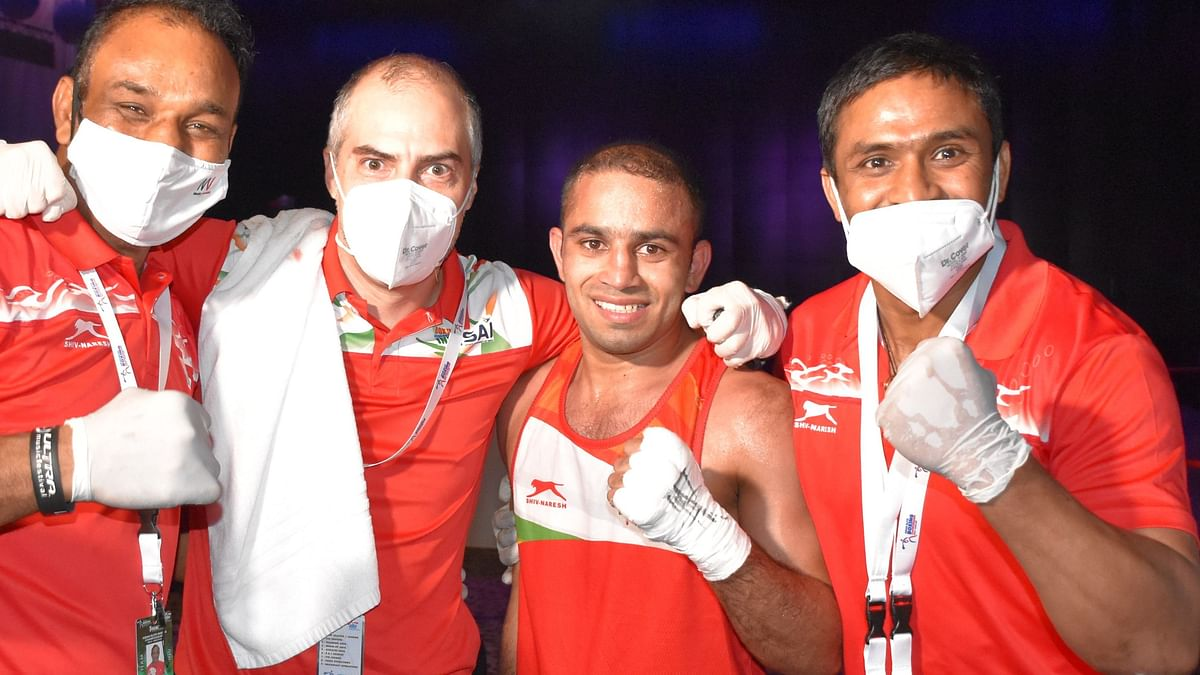 Asian Boxing C'ship: Amit & Shiva Storms Into Gold Medal Matches