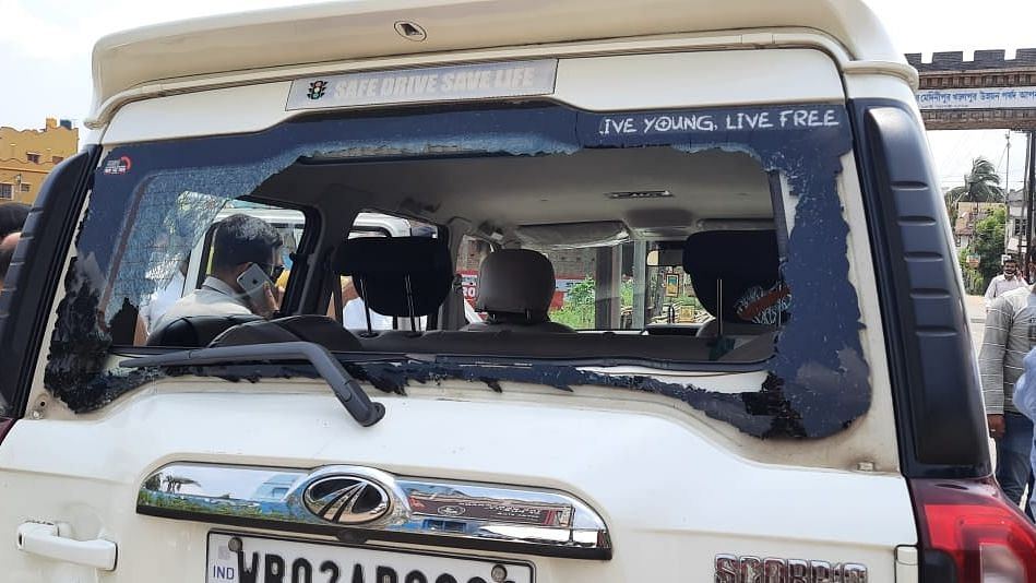 8 Nabbed, 3 Cops Suspended After MoS Claims Convoy Attacked in WB