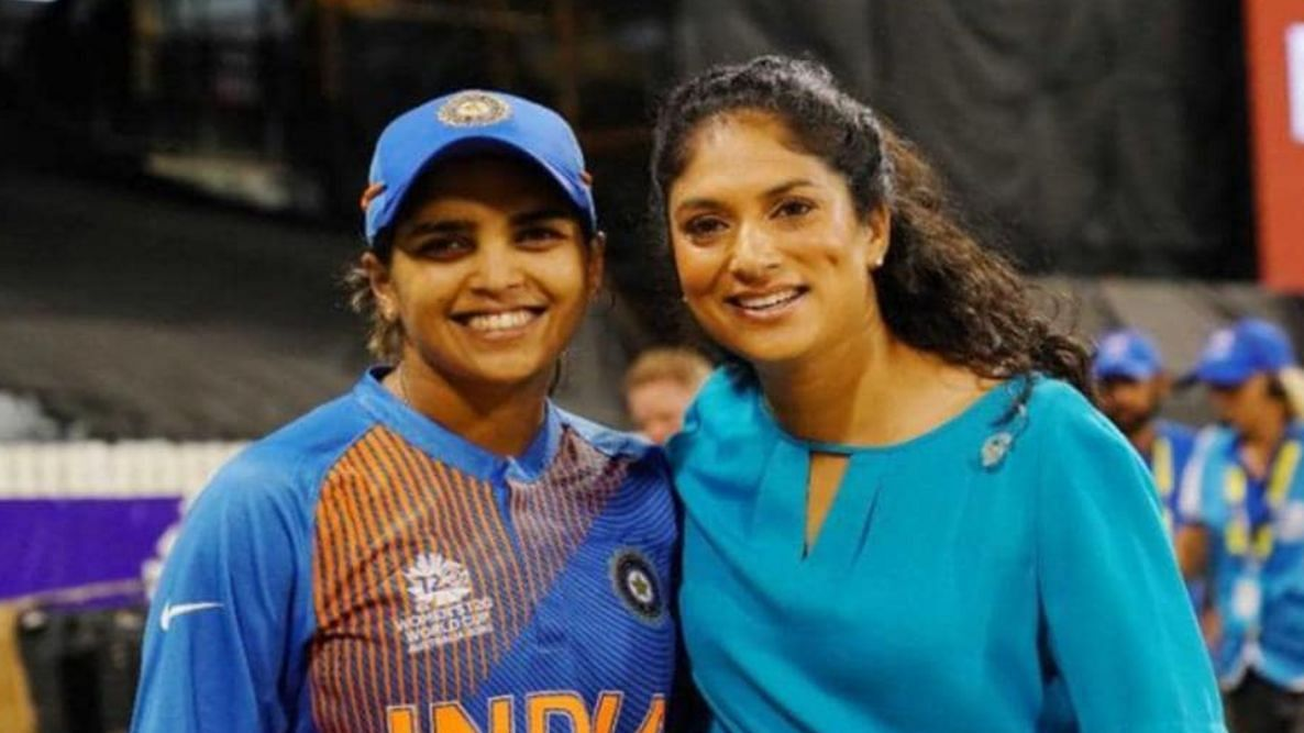 Veda Krishnamurthy and Lisa Sthalekar at the 2020 T20 Women's World Cup.