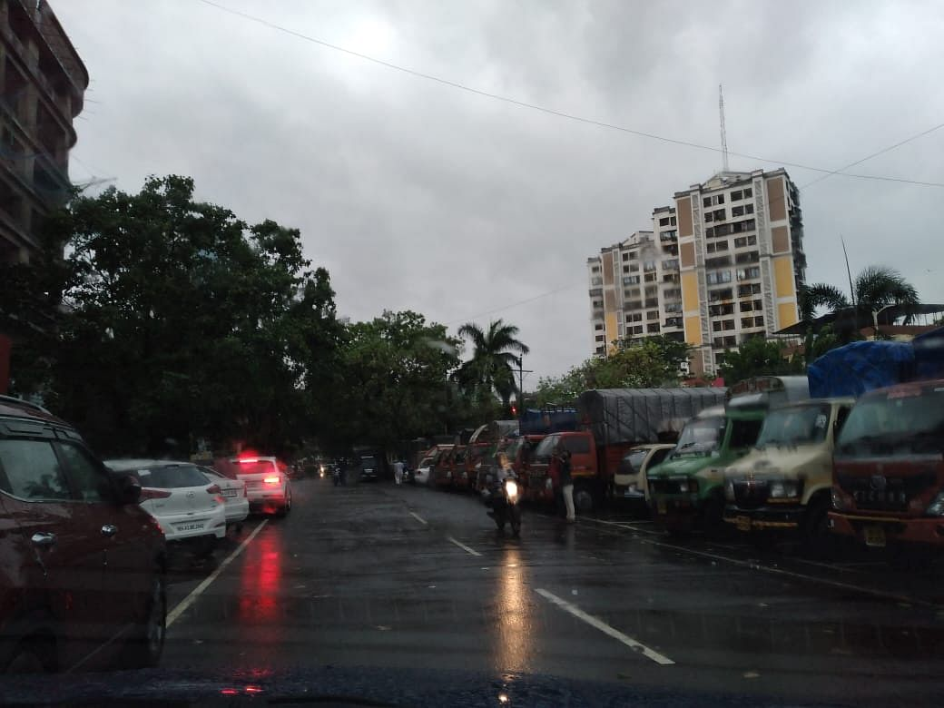 Dark clouds cover the sky over Navi Mumbai's Vashi.