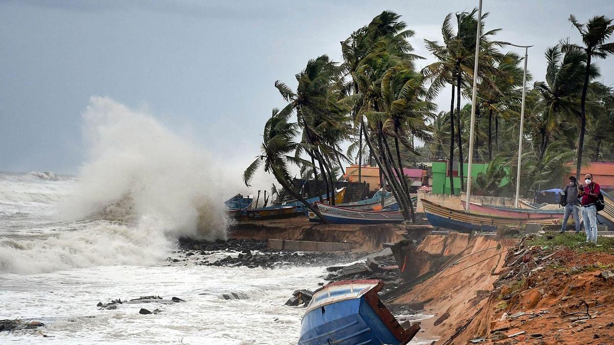 Cyclone Tauktae: Coast Guard Rescues Kochi & Karnataka Fishermen
