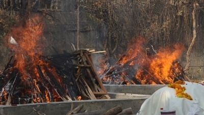 New Delhi: Mass cremation process held at a crematorium during the ongoing coronavirus pandemic, in New Delhi on Saturday, 1 May.