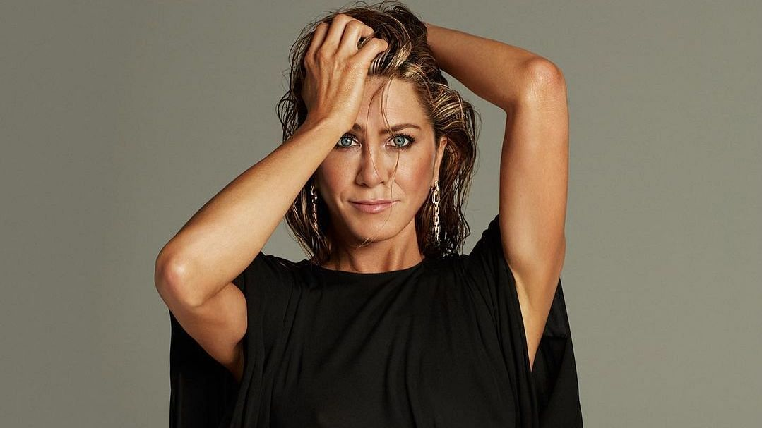 Jennifer Aniston Urges Fans to Help India Fight COVID-19