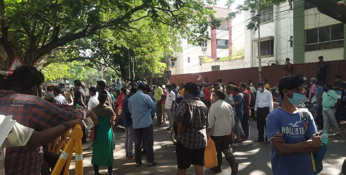 Crowding outside the Kilpauk Government General Hospital in an increasing concern amid the COVID surge.