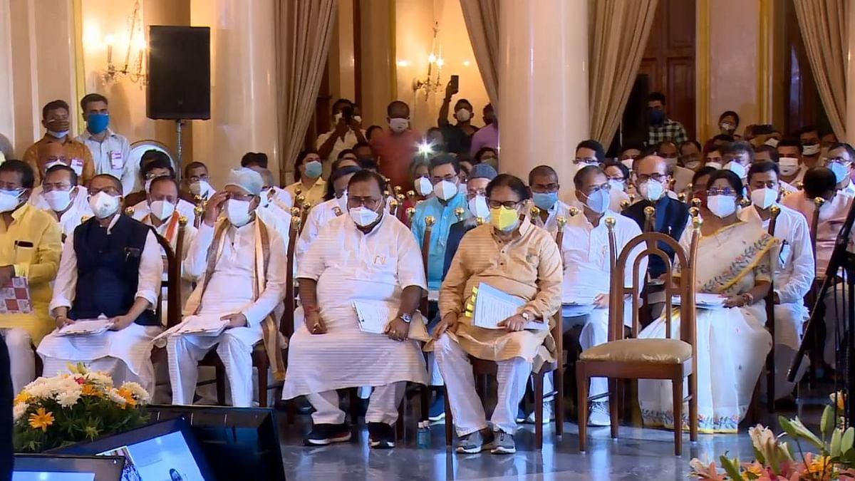 43 Ministers Take Oath in WB, Guv Sanctions Prosecution Against 2