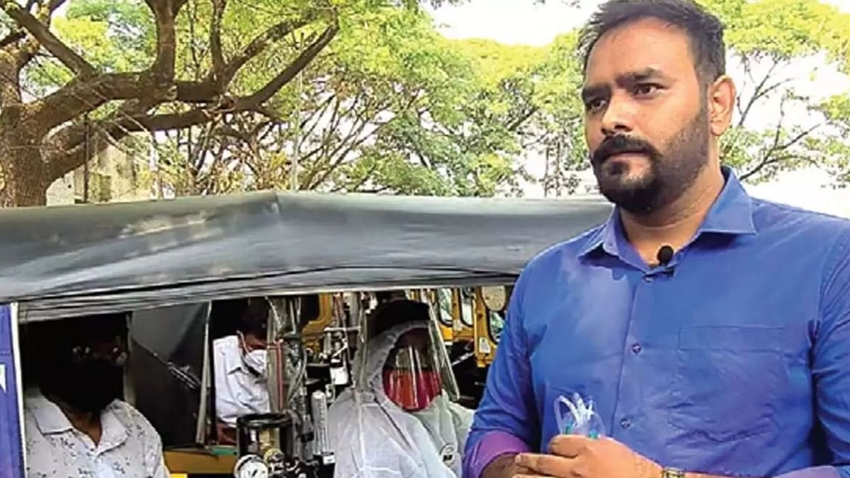 Pune Auto Drivers Start 'Jugaad Ambulance' to Help COVID Patients
