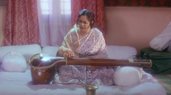 "<div class=""paragraphs""><p>Kirron Kher in 'Sardari Begum'</p></div>"