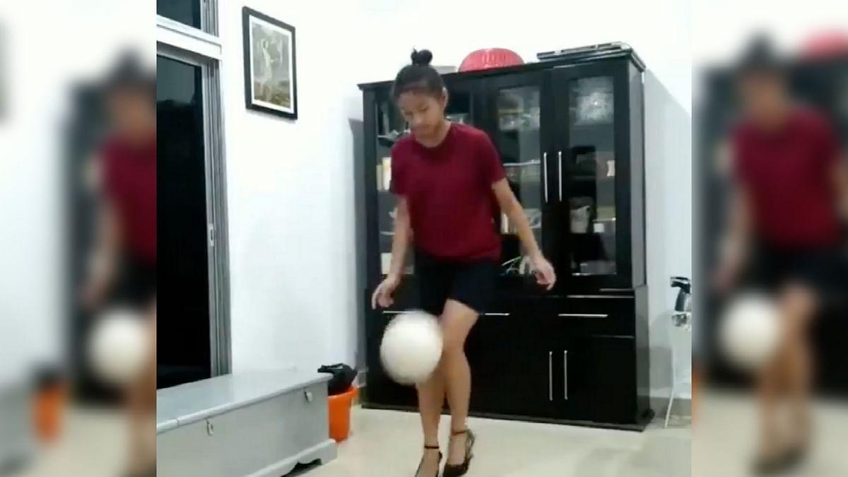 "<div class=""paragraphs""><p>Watch: Mizoram Girl Does Football Tricks in Pencil Heels</p></div>"