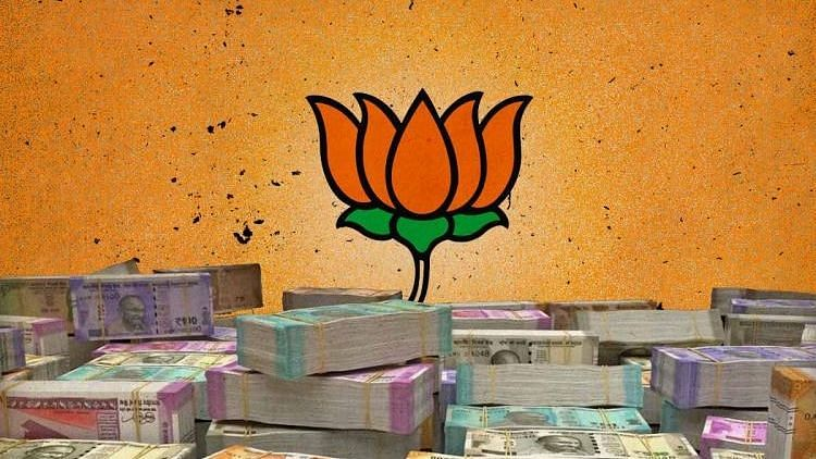 What started as a money heist on a highway in April has now snowballed into a political controversy in Kerala, especially within the BJP in the state.