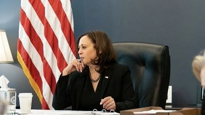"""<div class=""""paragraphs""""><p>US Vice President Kamala Harris addressed an audience in Guatemala and discouraged them to cross the border into the US</p></div>"""