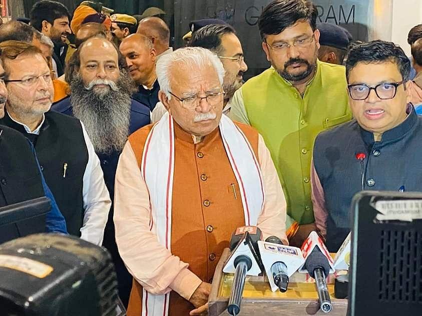"""<div class=""""paragraphs""""><p>Karni Sena Chief Suraj Pal Amu and Haryana CM Manohar Lal Khattar.</p></div>"""