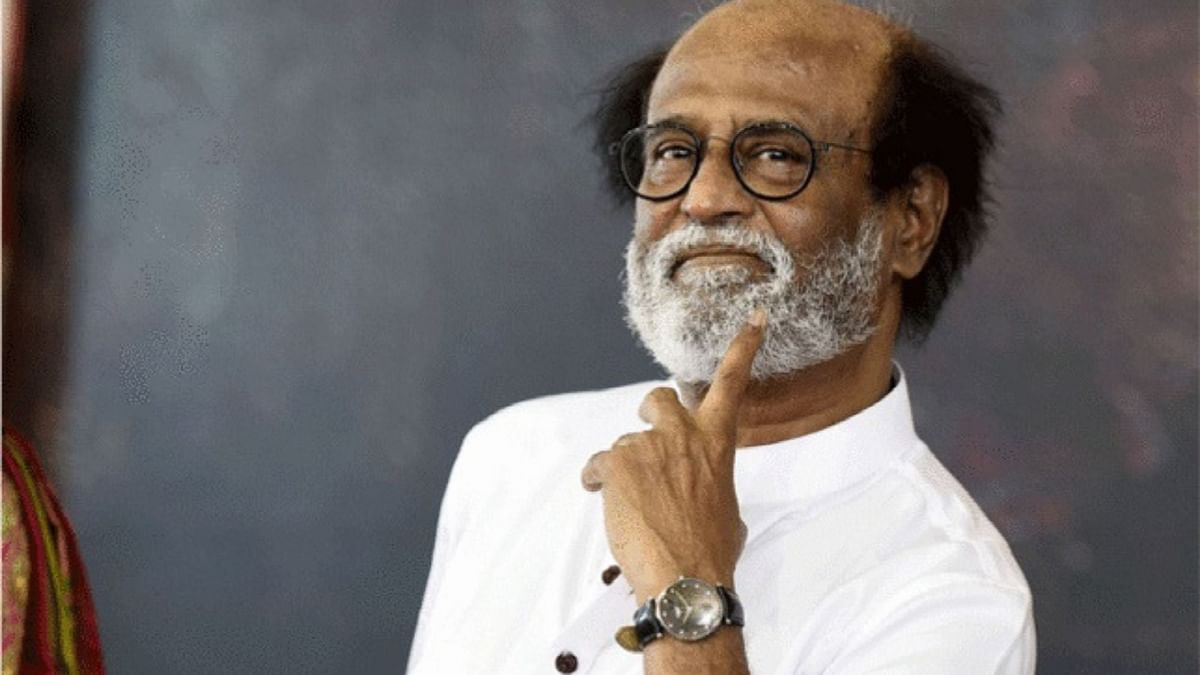 """<div class=""""paragraphs""""><p>Superstar Rajinikanth was seen at the airport leaving for the US with his wife Latha</p></div>"""